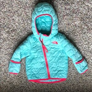 6-12 month North Face Teal light puffy coat.